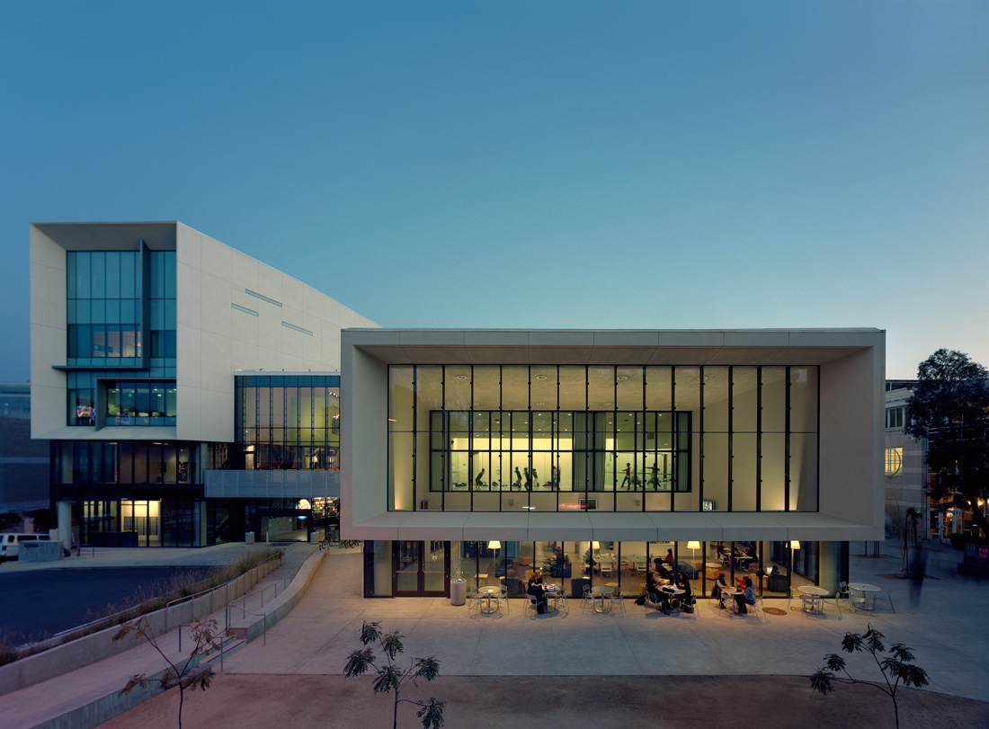 Ucsd price center architecture style for Architect education