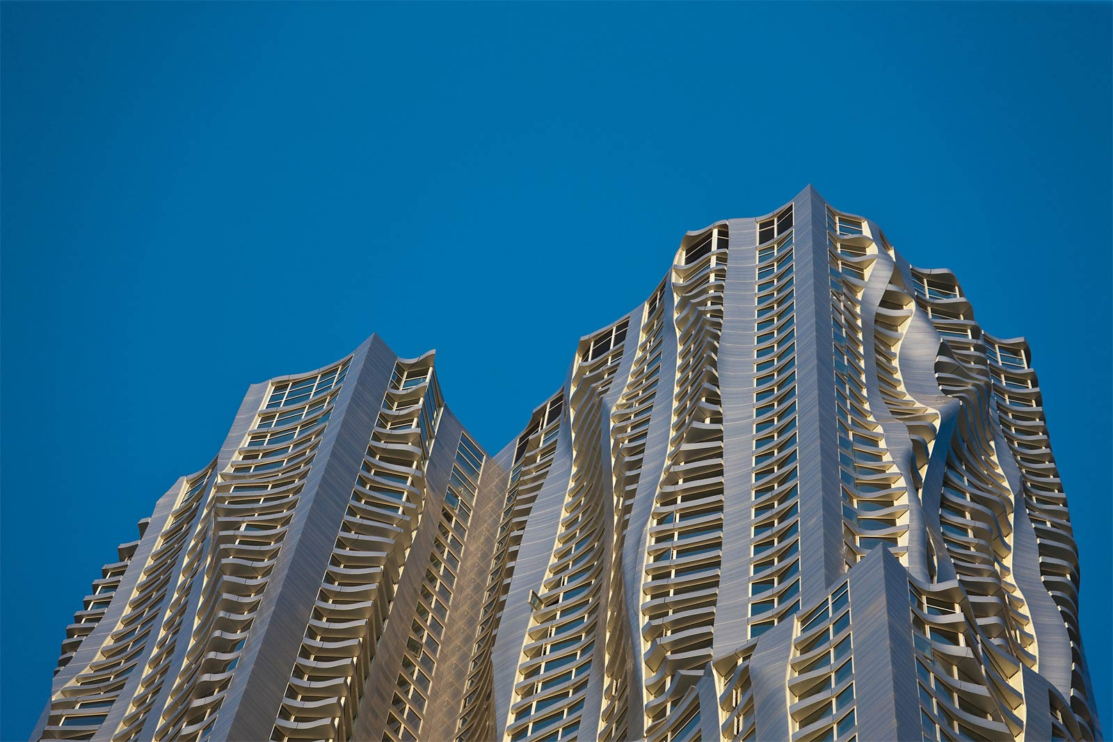 New york by gehry architecture style for Architecture new york
