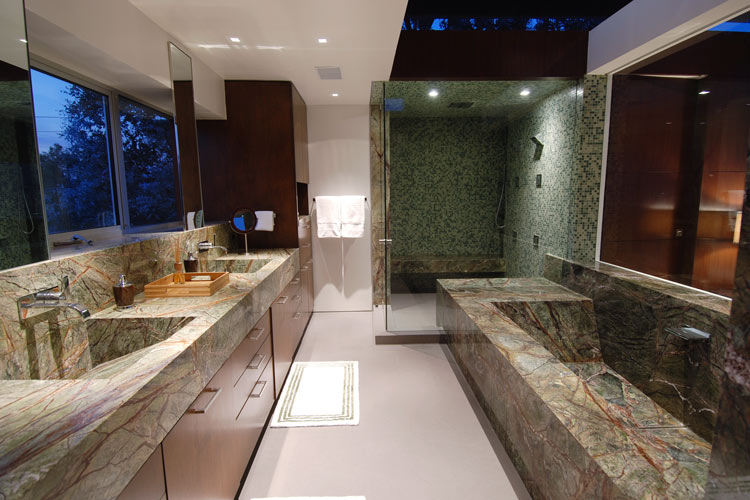 8400 grand view drive architecture style for Pictures of master bathrooms in new homes